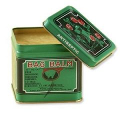 "Check out Balsam Bag - The best hand moisturizer for extremely cracked hands here. ""Width ="" 84 ""height ="" 84 ""srcset ="" https://www.drbaileyskincare.com/info/wp-content/uploads/2013/11 / Bag-Balm-1-oz-240x240.jpg 240w, https : //www.drbaileyskincare.com/info/wp-content/uploads/2013/11/Bag-Balm-1-oz-150x150.jpg 150w, https: //www.drbaileyskincare.com/info/wp-content/ uploads / 2013/11 / Bag-Balm-1-oz.jpg 300w ""sizes ="" (max-width: 84px) 100vw, 84px"