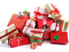 Healthy skin care kits for everyone on your holiday list!