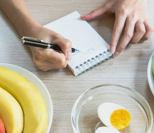 How can I eat for weight loss?
